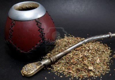 2914587-cup-from-calabash-with-yerba-mate-tea-and-straw