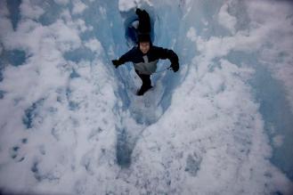 melalui celah glacier doc.AP/Natacha Pisarenko